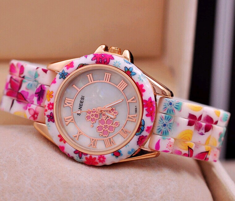 vogue women's flower silicone watch